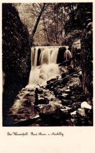 Ruine der Mittelmühle phantasierte mit langer Belichtung unreale Wassermengen, Postkarte, 1930er Jahre