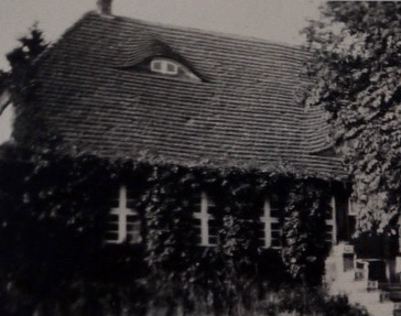 Pfarrhaus Stuer, ursprüngliche Biberschwanz-Doppeldeckung, Foto: Mitte 20.Jh.