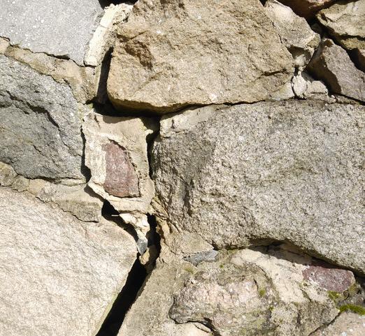 Setzungsschäden am Bruchstein-Mauerwerk