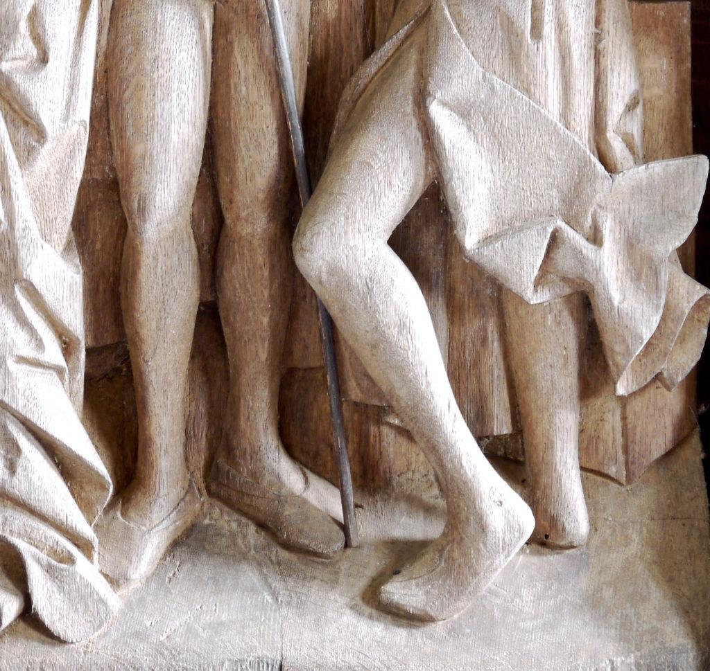 Stuer, gotischer Schrein, Kreuzigungsszene, Detail, Kuhmaulschuhe