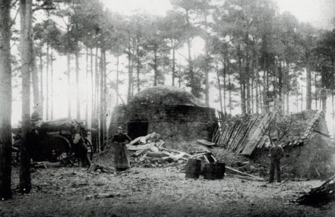 Alter Teerofen in Nossentiner Hütte, 1920 noch betrieben